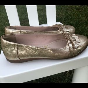 Clarks flat gold shoes size 9
